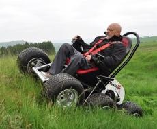 با این ویلچر به همه جا سفر کنید
